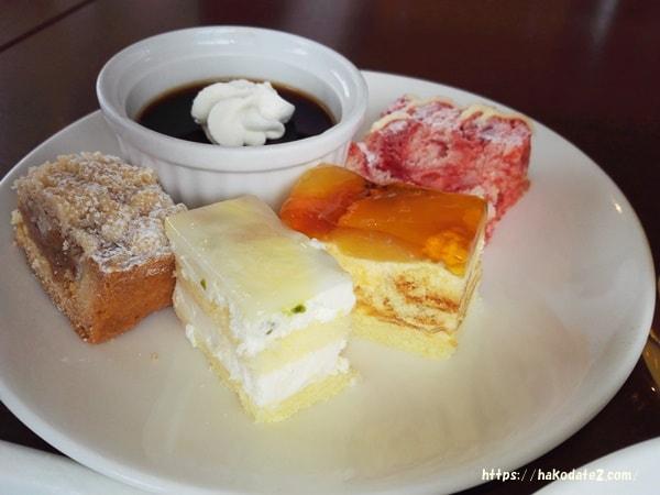 函館ロイヤルのケーキ