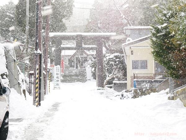 函館・雪の船魂神社