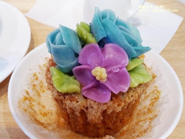 フラワーカップケーキ