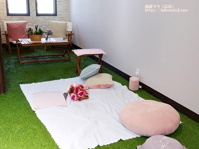 函館・元町のフラワーピクニックカフェの店内