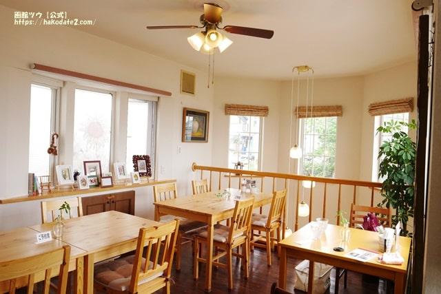 函館のカフェ谷地坂の2階、店内