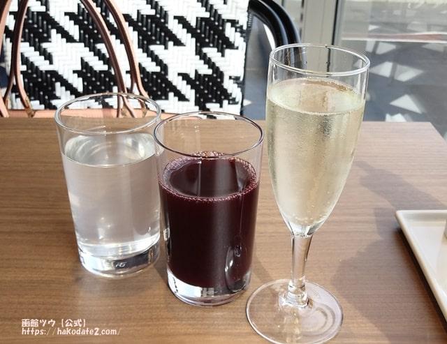 朝食バイキング飲み物シャンパン時にジュース