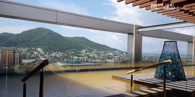ホテルセンチュリーマリーナ函館の絶景露天風呂から見る函館山