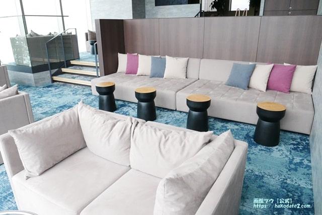 センチュリマリーナの湯上り処のソファー