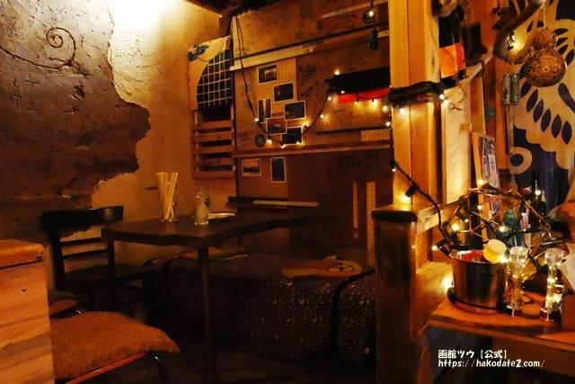 函館BAR Hanabiのボックス席