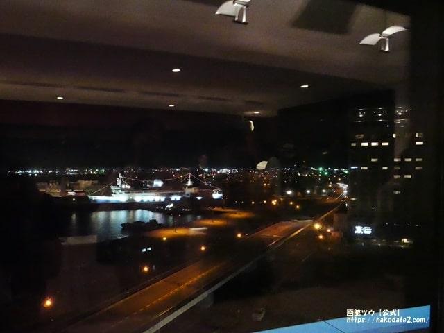 函館国際ルモンガギューから見た夜の摩周丸(夜景)